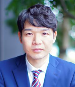 関 隆弘の顔写真